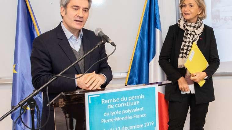 [Vidéo] Remise du permis de construire de notre tout nouveau lycée Pierre Mendès-France à Valérie Pécresse, Présidente de la Région Ile-de-France