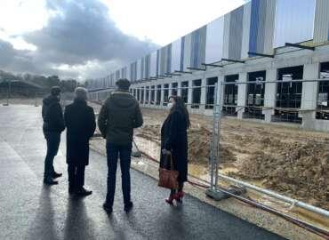 """La """"grande réserve du livre"""" s'installe à Ris-Orangis : une centaine d'emplois seront  créés en 2022"""